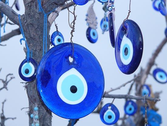 ojo turco amuletos de protección, cargar amuletos